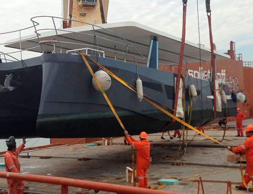 Cargas especiales: Transporte de un catamarán de España a México