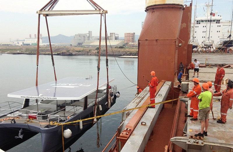 Grandes cargas industriales - Catamarán